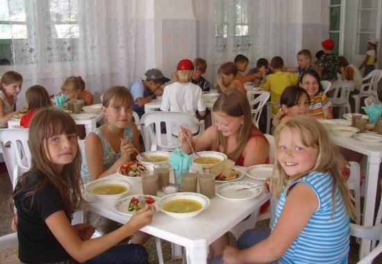 Сегодня, 8 июня, 12 детей из с лопатино отправились в православный лагерь